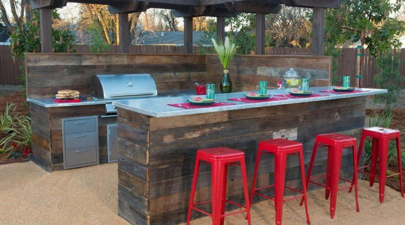 backyard-bar
